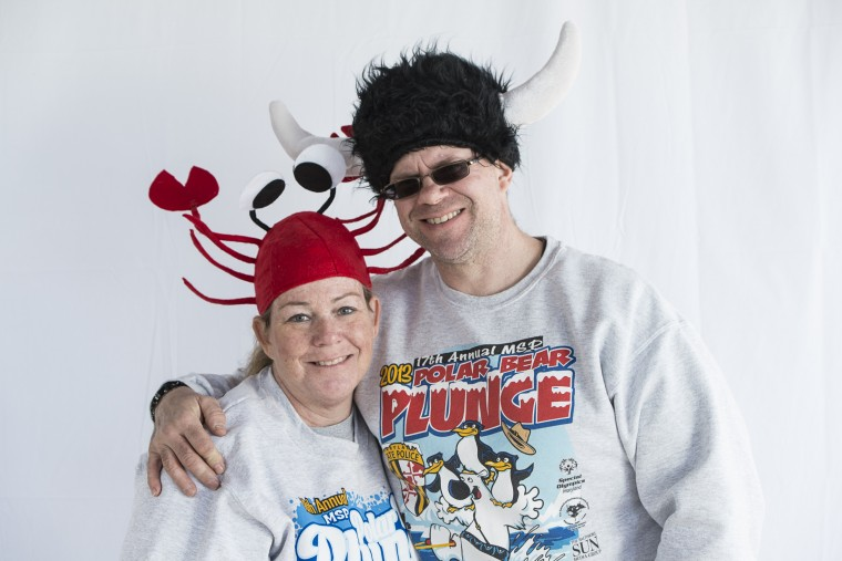 Terri Hines and Dan Poreca at Sandy Point State Park for the Special Olympics Polar Bear Plunge. (Matthew Paul D'Agostino/For The Baltimore Sun)