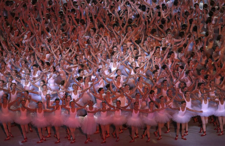 Dancers perform during the opening ceremony of the 2014 Paralympic Winter Games in Sochi, March 7, 2014. (Christian Hartmann/Reuters photo)