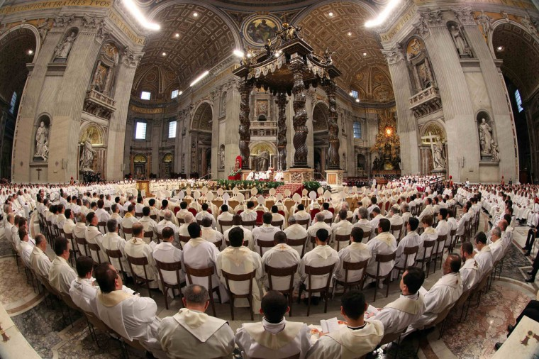 Pope Francis leads the Chrismal mass in Saint Peter's Basilica at the Vatican March 28, 2013. (REUTERS/Alessandro Bianchi)