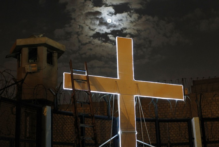 "A cross is seen after the theatre play ""Jesus Christ Superstar"" at Sarita Colonia prison yard. (REUTERS/Enrique Castro-Mendivil)"