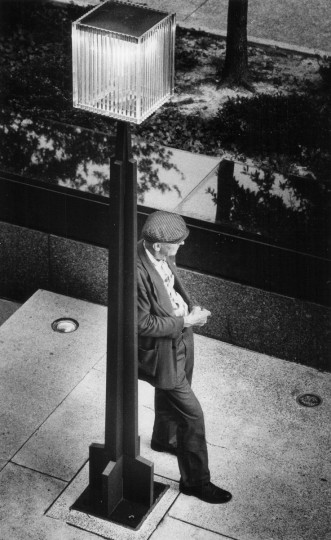 This picture (taken in July 1970) of an elderly man in a contemporary setting at the Federal Building won a 1st-place prize for feature photography. (Lloyd Pearson/Baltimore Sun)