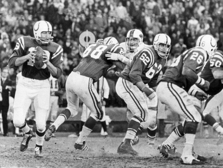 In December 1972, making what would be his last appearance in Memorial Stadium as a player, Johnny Unitas did exactly what he had done throughout his long career with the Colts, throwing a fourth-quarter touchdown pass. The pass had little to do with the Colts' 35-7 victory over the Bills, but it had thousands of spectators screaming and weeping. (Lloyd Pearson/Baltimore Sun)