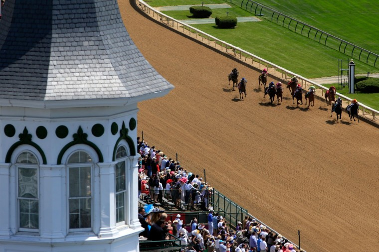 Horse race during the 5th race ahead of the 140th running of the Kentucky Derby at Churchill Downs on May 3, 2014 in Louisville, Kentucky. (Photo by Jamie Squire/Getty Images)