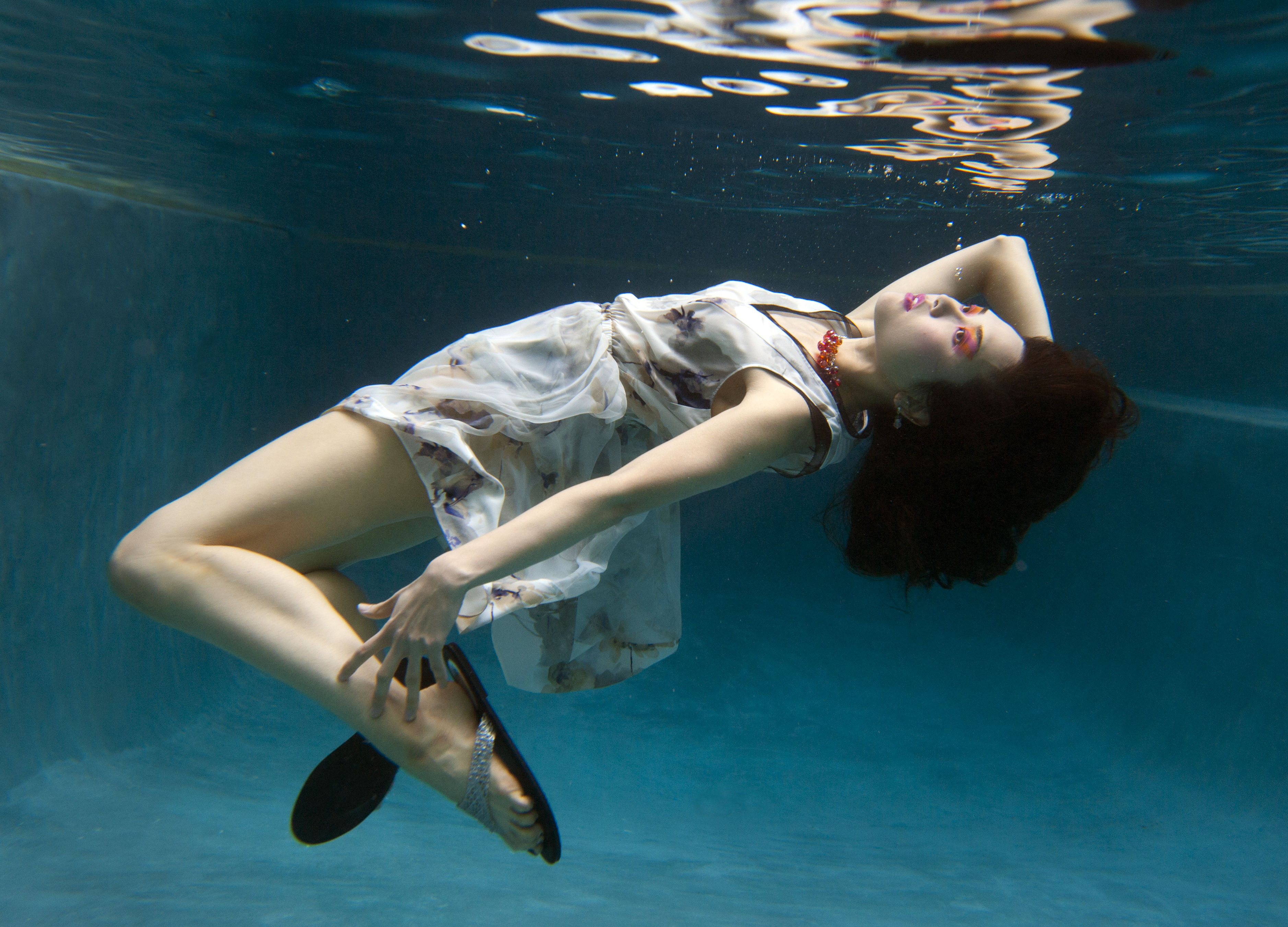 Behind-the-scenes: Sun Magazine underwater photo shoot