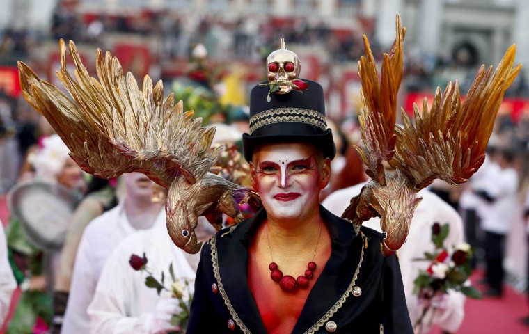 A guest arrives for the opening ceremony of the 22nd Life Ball in Vienna May 31, 2014. Life Ball is Europe's largest annual AIDS charity event and takes place in Vienna's city hall. (Leonhard Foeger/Reuters)