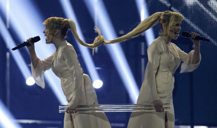 """Tolmachevy Sisters representing Russia perform the song """"Shine"""" during the grand final of the 59th Eurovision Song Contest at the B&W Hallerne in Copenhagen May 10, 2014. REUTERS/Tobias Schwarz"""