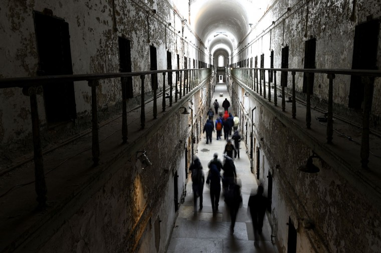 A tour group wanders through block 7 of Eastern State Penitentiary in Philadelphia. (REUTERS/Mark Makela)