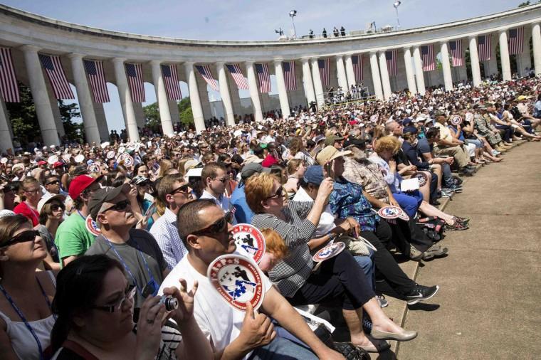 Members of the public attend Memorial Day ceremonies at Arlington National Cemetery in Virginia May 26, 2014. REUTERS/Joshua Roberts