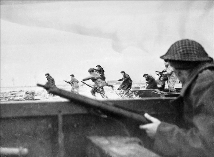 Canadian soldiers land on Courseulles beach in Normandy on June 6, 1944 as Allied forces storm the Normandy beaches on D-Day. (AFP/Getty Images)