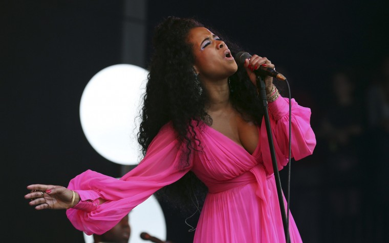 U.S. singer Kelis performs on the Pyramid stage at Worthy Farm in Somerset, during the Glastonbury Festival June 28, 2014. (Cathal McNaughton/Reuters)