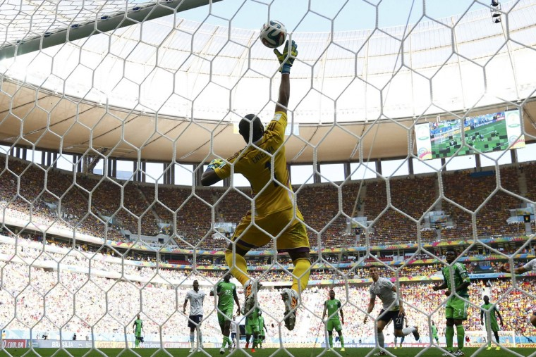 Nigeria's goalkeeper Vincent Enyeama makes a save during the 2014 World Cup round of 16 game between France and Nigeria at the Brasilia national stadium in Brasilia June 30, 2014. (Jorge Silva/Reuters)