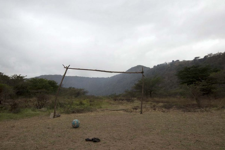 A makeshift soccer goalpost stands near Molweni, west of Durban June 5, 2014. The 2014 Brazil World Cup opens on June 12 and fans around the globe are gearing up for the big tournament. But soccer lovers are not only preparing to watch the world's best professional players battle it out on the pitch; they are also out there kicking a ball about themselves. Reuters photographers on every continent, in countries from China to the Czech Republic, went out to capture images of soccer goalposts used by players to practise the 'beautiful game'. Picture taken June 5, 2014. (Rogan Ward/Reuters)