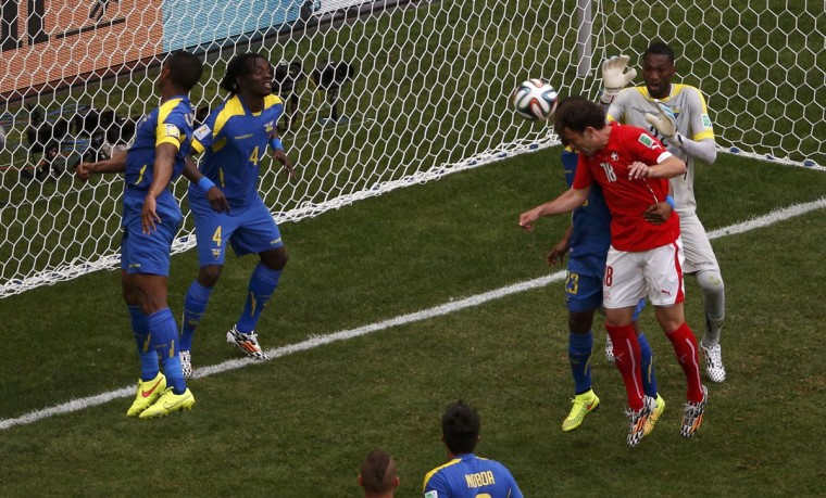 Switzerland's Admir Mehmedi scorea a goal during the 2014 World Cup Group E soccer match between Switzerland and Ecuador at the Brasilia national stadium in Brasilia, June 15, 2014. (David Gray/Reuters)