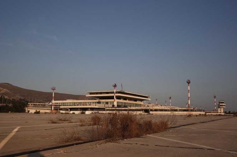 The east terminal of the former Athens International airport, Hellenikon, is seen June 16, 2014. (REUTERS/Yorgos Karahalis)