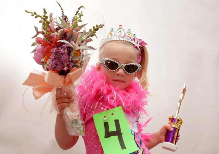 Brianna Gladfelter, 4 of Baltimore won the Little Miss Hon Contest (girls ages 3-7). (Shan Gordon/Special to The Baltimore Sun)