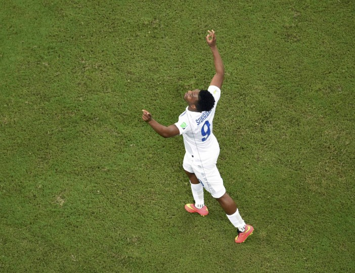 England's Daniel Sturridge celebrates after scoring against Italy during their 2014 World Cup Group D soccer match at the Amazonia arena in Manaus. (Francois Marit/Pool/Reuters)