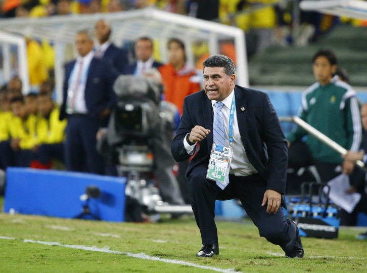 Honduras coach Luis Fernando Suarez reacts during their 2014 World Cup Group E soccer match against Ecuador at the Baixada arena in Curitiba,Brazil. (Stefano Rellandini/Reuters)