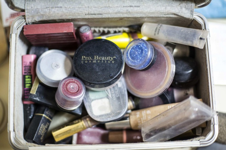 A make-up case is seen backstage before a drag show in Tel Aviv June 9, 2014. The show is part of the city's gay pride week, ending on June 13 with the Gay Pride Parade. Picture taken June 9, 2014. (REUTERS/Baz Ratner)
