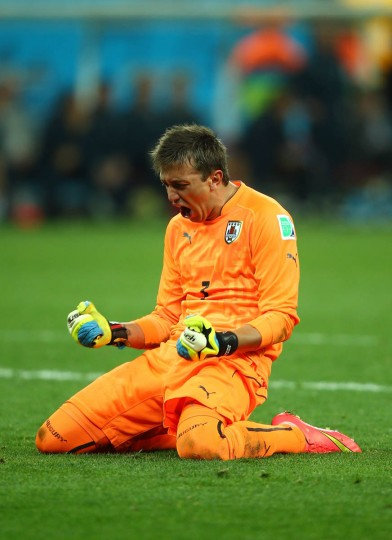 Fernando Muslera of Uruguay reacts his team's second goal during the 2014 FIFA World Cup Brazil Group D match between Uruguay and England at Arena de Sao Paulo on June 19, 2014 in Sao Paulo, Brazil. (Clive Rose/Getty Images)