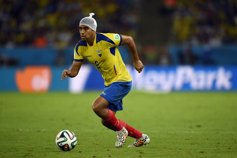 Ecuador's midfielder Christian Noboa dribbles the ball during the Group E football match between Ecuador and France at the Maracana Stadium in Rio de Janeiro during the 2014 FIFA World Cup on June 25, 2014. (Odd Anderson/Getty Images)