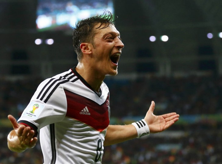 Germany's Mesut Ozil celebrates scoring their second goal during extra time in their 2014 World Cup round of 16 game against Algeria at the Beira Rio stadium in Porto Alegre June 30, 2014. (Darren Staples/Reuters photo)