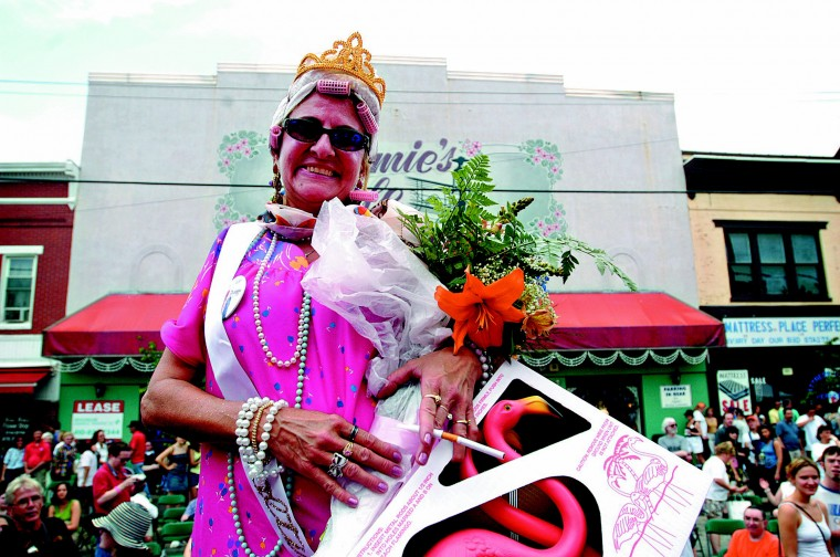 """Rita Moore captured the """"Bawlmer's Best Hon"""" title Saturday at the 10th annual """"Hon Fest"""" in Hampden. The Highlandtown native now resides in Essex. (Sun photo, 2003)"""