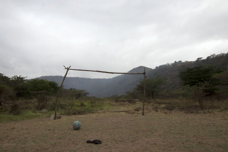 A makeshift soccer goalpost stands near Molweni, west of Durban, South Africa on June 5, 2014. (REUTERS/Rogan Ward)