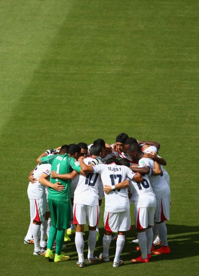 Costa Rica huddle before kickoff of the 2014 FIFA World Cup Brazil Group D match between Italy and Costa Rica at Arena Pernambuco on June 20, 2014 in Recife, Brazil. (Photo by Michael Steele/Getty Images)