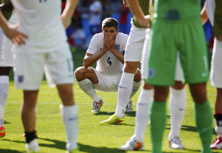 England's Steven Gerrard reacts after their 2014 World Cup Group D soccer match against Costa Rica at the Mineirao stadium in Belo Horizonte June 24, 2014. (Damir Sagolj/Reuters)