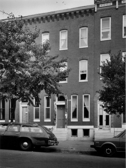 A home built in the late 1850s across from Union Square in Southwest Baltimore. (Ellis J. Malashuk/Baltimore Sun/Oct. 19, 1980)
