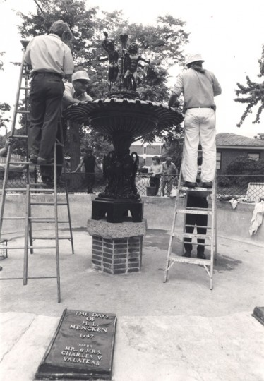 Assembling the fountain in Union Square, across from the H.L. Mencken house. (William H. Mortimer/Baltimore Sun/File photo first dated 06/22/1976)