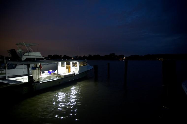 Tony Conrad and deckhands prepare his boat, Ellie Christine, to crab off of Galloway Creek Marina. (Jen Rynda/BSMG)