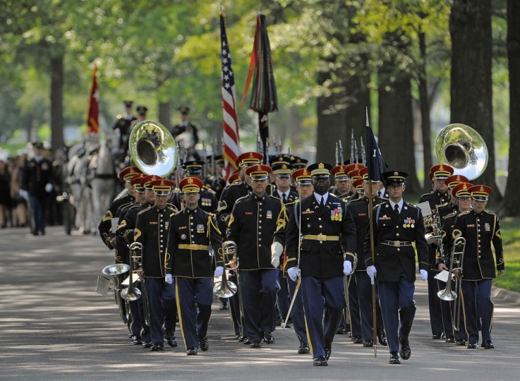 The Army band leads the procession during a full honors funeral service for US Army Major General Harold Greene at Arlington National Cemetery, August 14, 2014. (Al Drago/Baltimore Sun)