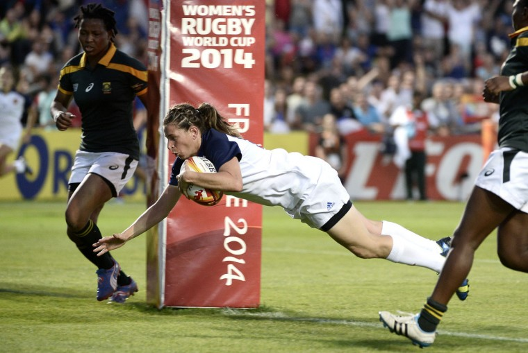 French Christelle Le Duff scores a try during the Women's Rugby World Cup 2014 Pool C between France and South Africa on August 5, 2014 in Marcoussis, near Paris. (Stephane De Sakutin/Getty Images)