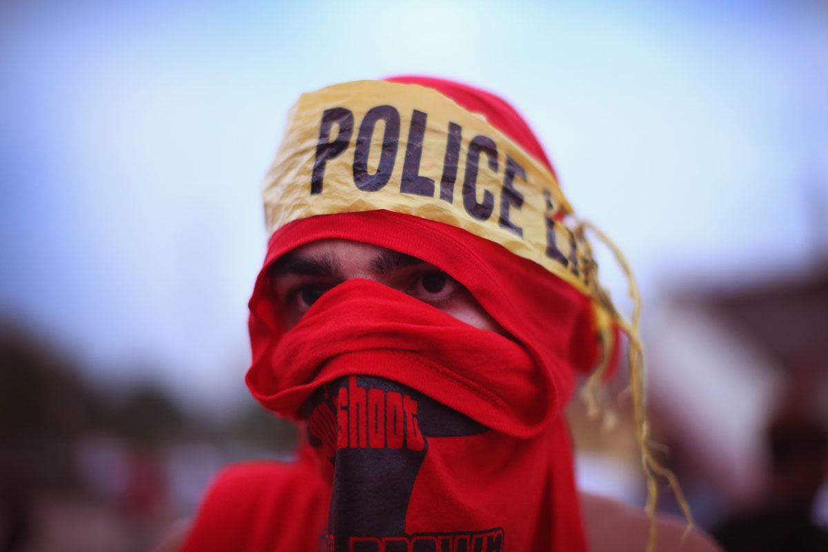 Photos that define the Ferguson, Mo., protests