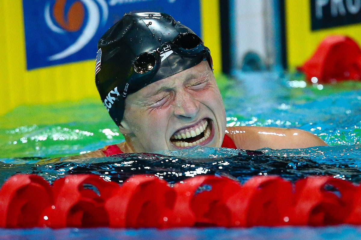 Katie Ledecky breaks a world record, young divers in China, and Ukraine's Independence Day | August 24