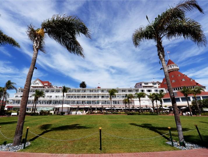 The rear side of the Hotel del Coronado.