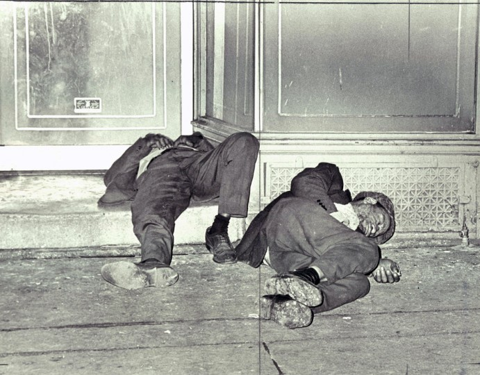 Nowhere to go: With the primary alcoholism treatment program on Fayette Street apparently offering only medical care and the temporary shelter for for derelicts shut down by the city, men like these sleep in doorways and abandoned houses and search garbage cans for food. (William H. Mortimer/Baltimore Sun/1976)
