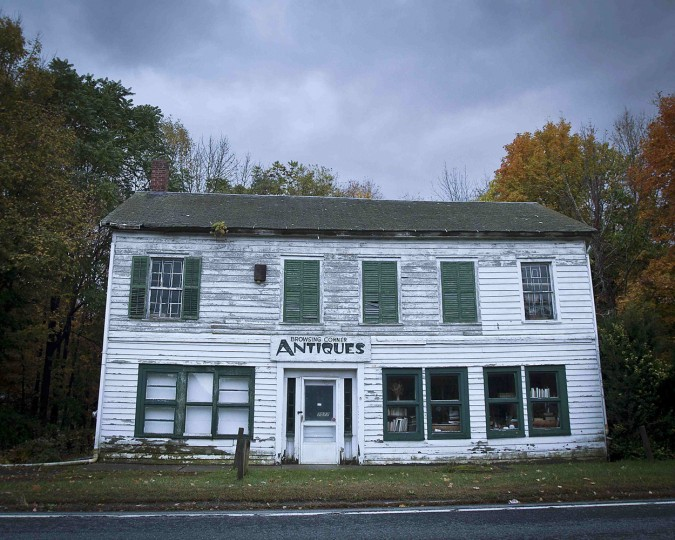 An abandoned business is pictured in the Catskills region of New York October 4, 2014. (Carlo Allegri/Reuters)
