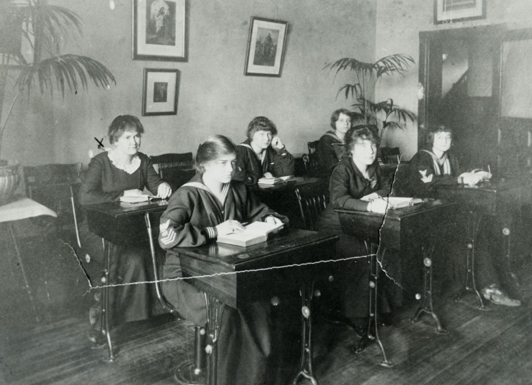 A classroom at Mount de Sales in the early 20th century.
