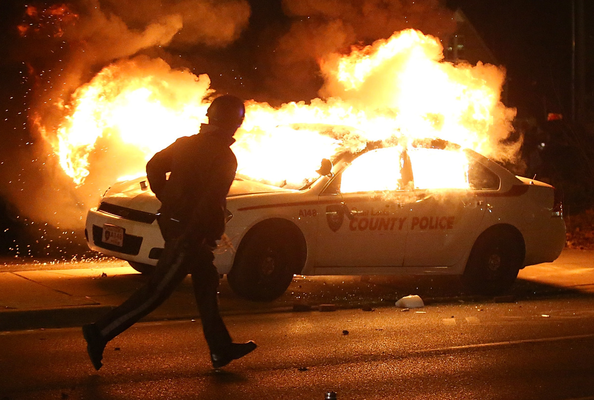 Ferguson erupts in violence after grand jury decision