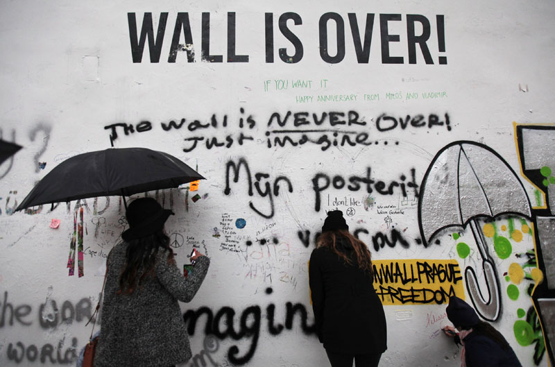 Jerusalem mourns, protests in Hong Kong and the John Lennon wall in Prague | Nov. 18