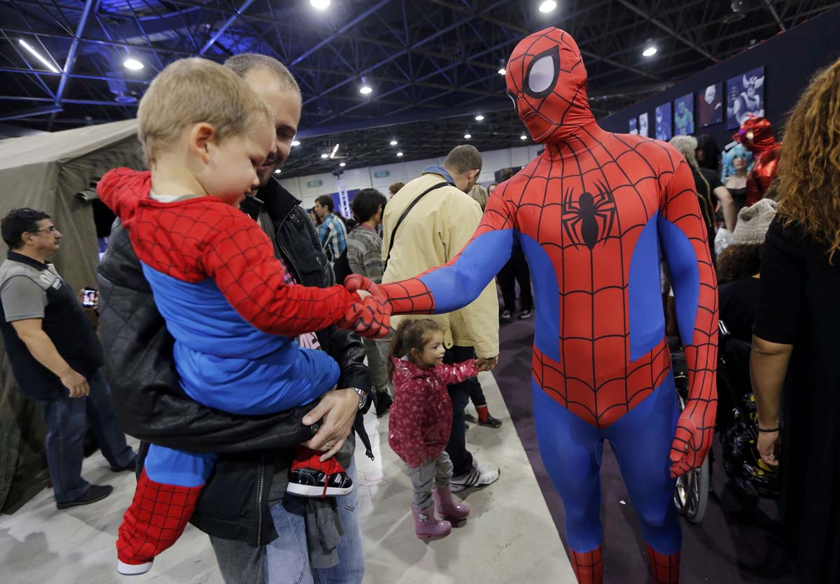 Hot air balloon and superhero fests, refugee classrooms | Nov. 10