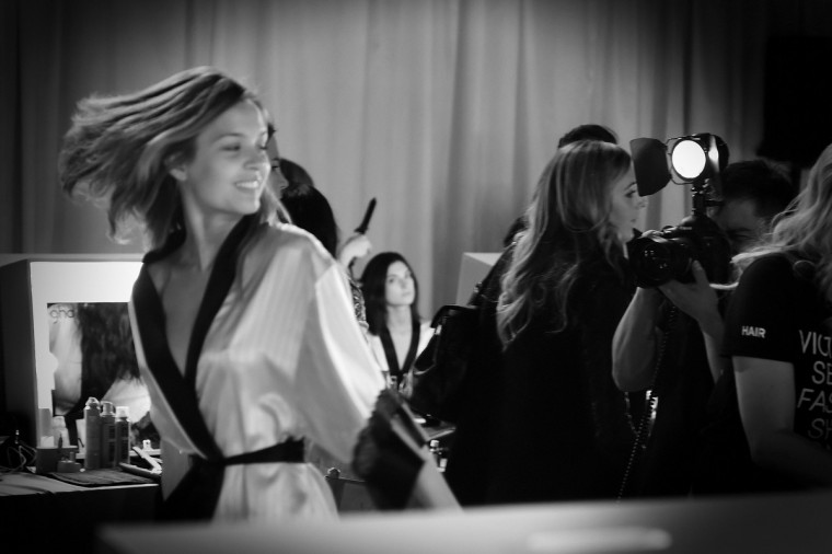 Victoria's Secret models prepare backstage prior to the 2014 Victoria's Secret Fashion Show on December 2, 2014 in London, England.  (Gareth Cattermole/Getty Images for Victoria's Secret)