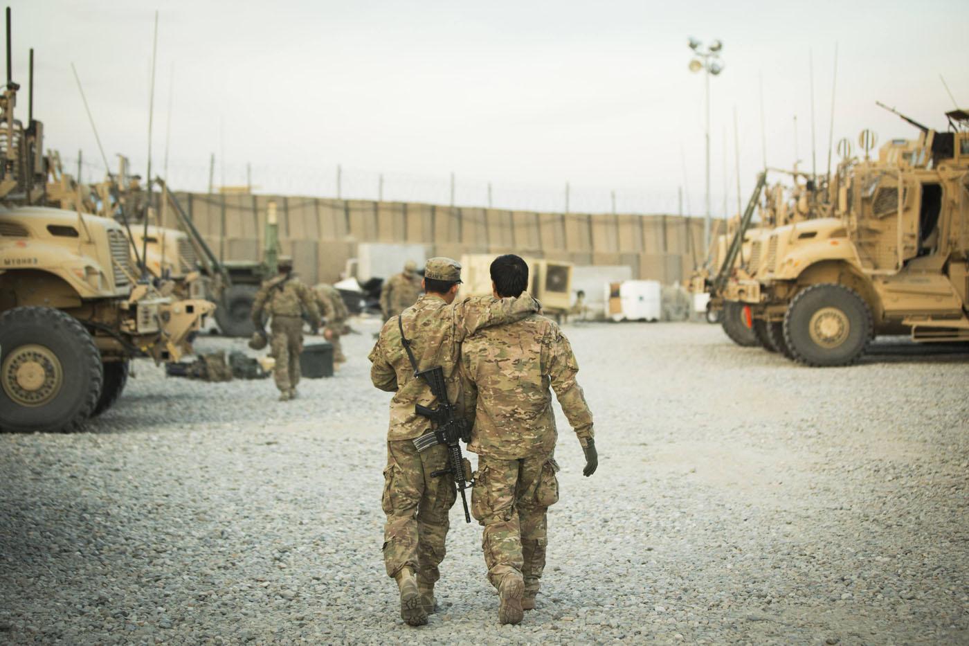 Секс на военной базе 13 фотография