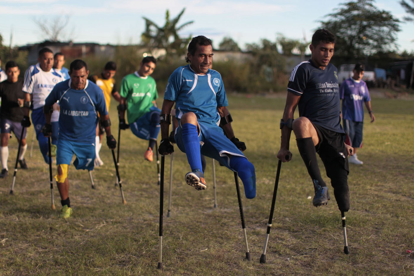 Salvadorean national amputee soccer team, crude oil in Israel, NASA launch scrubbed | Dec. 4