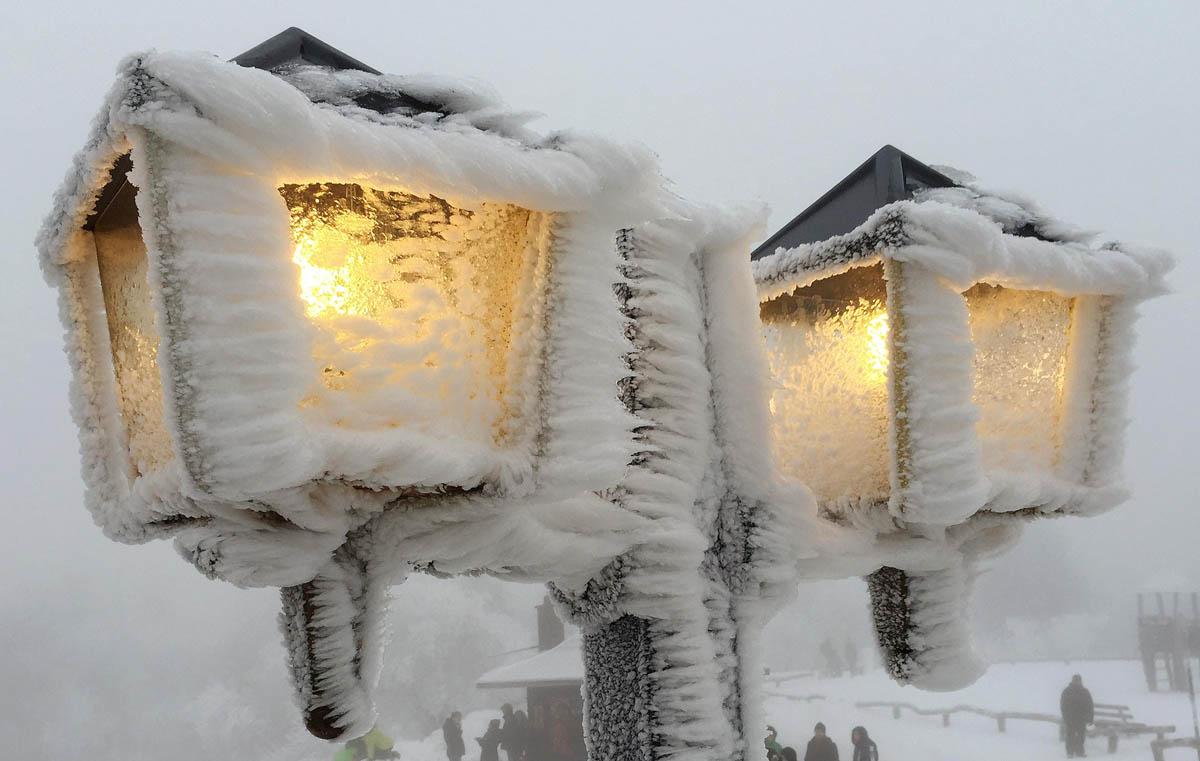 Snowy weather, prayers, saying goodbye to 2014 | Dec. 31