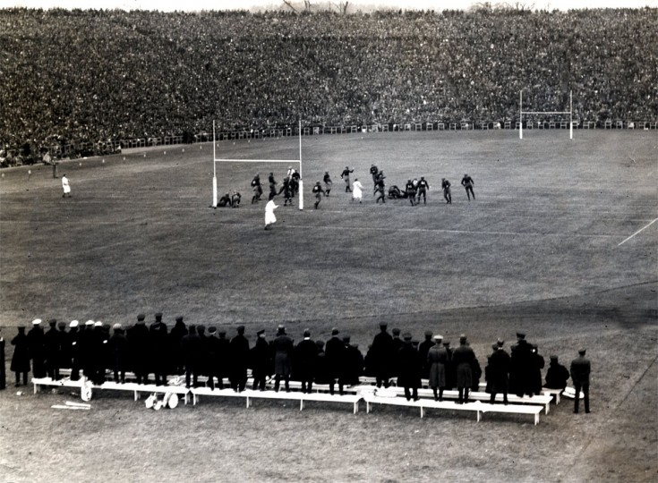 The Army-Navy game is played at Baltimore Stadium on Dec. 1, 1924. (Baltimore Sun file photo)