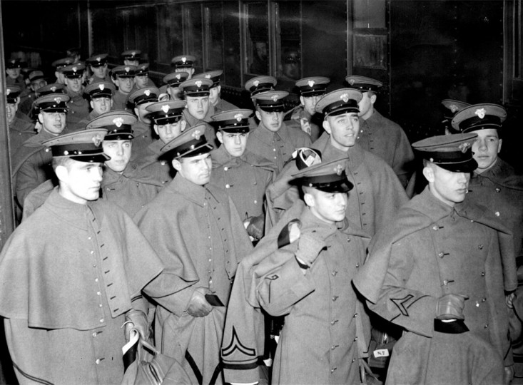 The Army football team arrives at Penn Station in Baltimore for the 1944 Army-Navy game. (Baltimore Sun file photo)