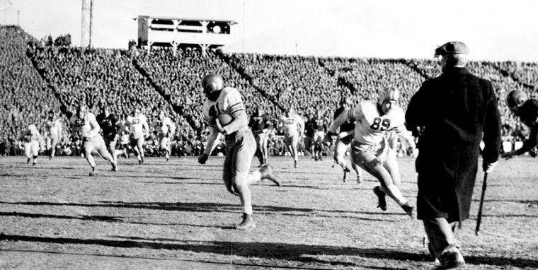 Army's Davis scores his third touchdown against Navy. (Baltimore Sun file photo)